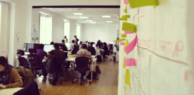 Demium Startups sarearen ataria.