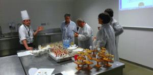 Participantes en Jakiberri en una sesión de cata de prototipos.