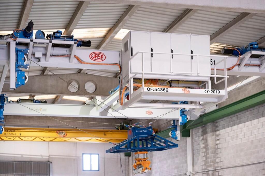 Jaso y Tecnalia convierten grúas industriales en robots
