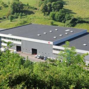 La planta en China de Mondragon Assembly enviará a Euskadi máquinas para fabricar mascarillas y evitar la dependencia de las importaciones