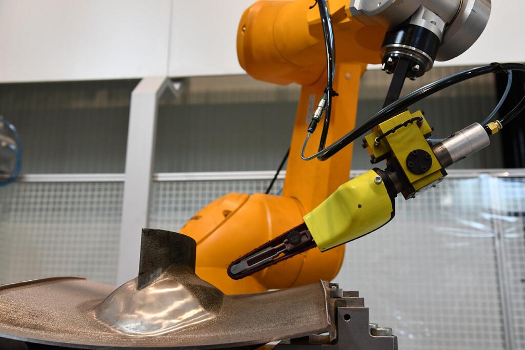 Coroma para el desarrollo de una nueva generación de robots industriales inteligentes