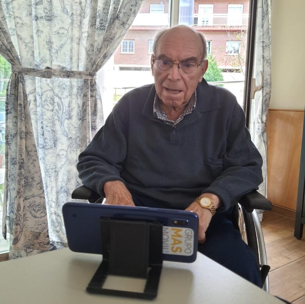 Ceit, Masmovil y Matia Fundazioa lanzan un proyecto que mejorará la comunicación virtual entre los centros de mayores y sus familiares