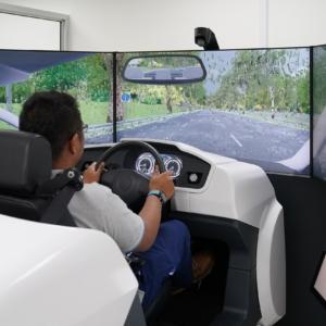 Simuladores vascos para lograr el permiso de conducir en Singapur