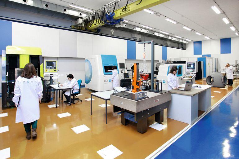 Makina adimendun eta konektatuak: Defectologia eta gainazaleko akabera