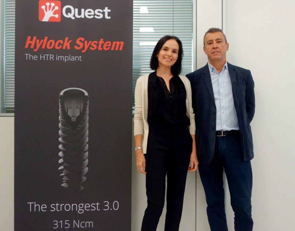 Deborah Erkoreka, directora de proyecto de Quest Biotek, y el doctor Julián Cuesta, director científico del Grupo Quest