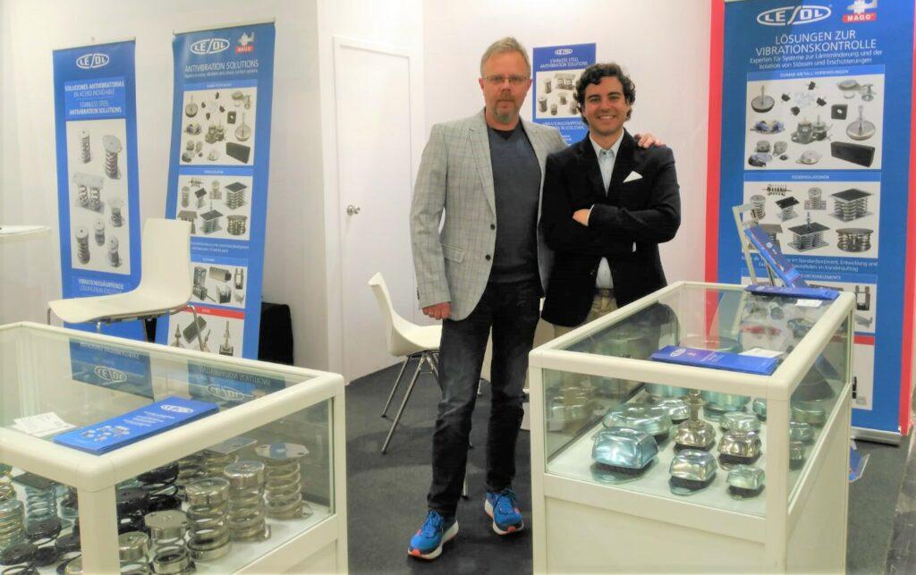 Romuald Sowa (i), comercial de Lesol en Alemania, Bélgica, Austria y Turquía, y Pablo Solórzano (d), director de Marketing de Lesol.
