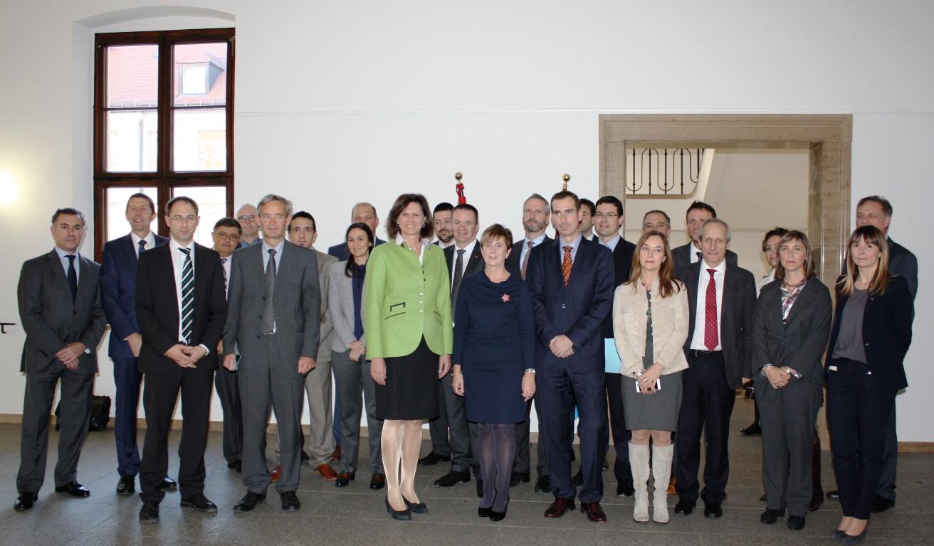 spri_tecnologia_Tapia Baviera grupo (Medium)