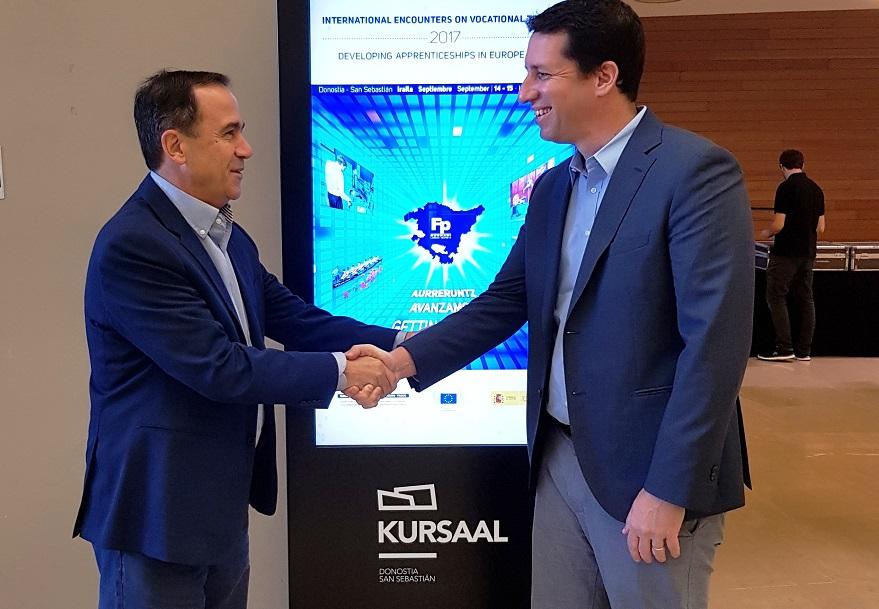acuerdo gobierno vasco y empresa Stratasys